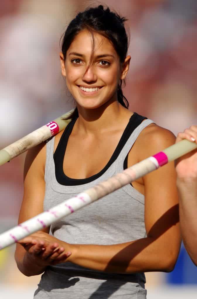 Allison Stokke becomes pole vaulter