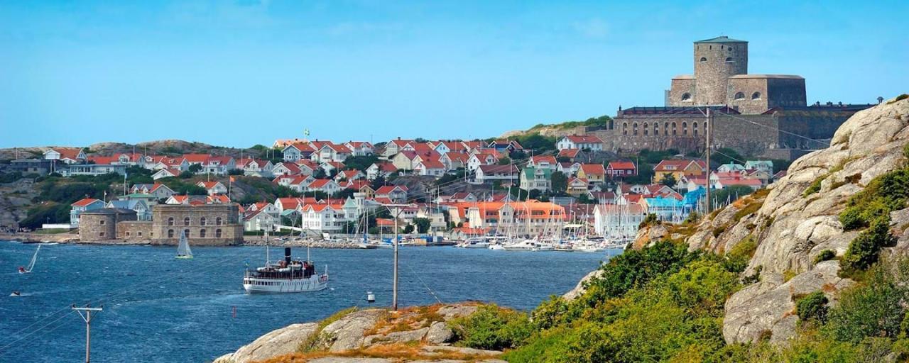 Bild över Marstrand och dess fina fästning